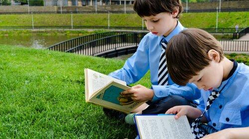 Не Гарри Поттером единым: ТОП-6 книг для детей, которые рекомендует популярный ведущий и заботливый отец Сергей Притула