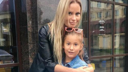 Дана Брисова почала роздавати поради по вихованню дітей