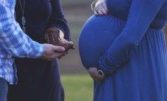 50-летняя женщина выносила ребенка для своего сына
