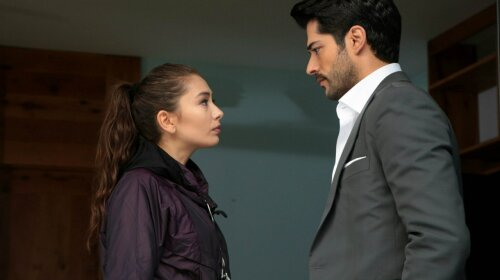 Фахрие Эвджен осталась за бортом: турецкий красавец Бурак Озчивит попал в громкий скандал со своей любовницей – девушка в ярости