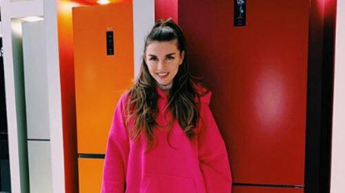 «Через стіни чула дитячий крик і плач»: Анна Сєдокова розповіла Регіна Тодоренко про своє дитинство – всі подробиці