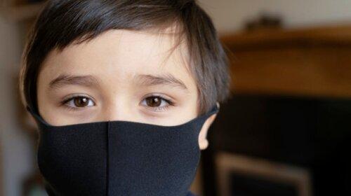 Був у захисній масці: у Києві загадково зник підліток - опис, прикмети, фото