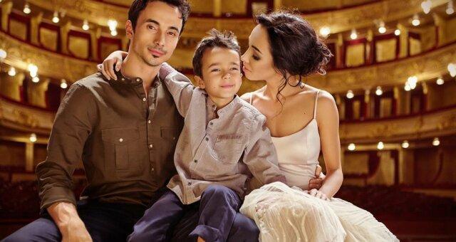 Екатерина Кухар и Александр Стоянов с сыном