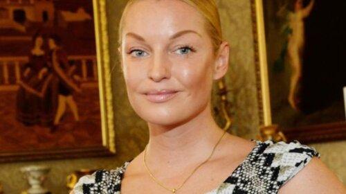 Анастасія Волочкова показала покалічені ноги і викинула пуанти: шоу закінчилося (ВІДЕО)