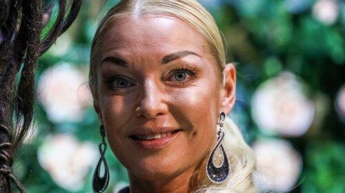 """Волочкова так растянулась в шпагате, что едва не разорвала свою """"пилотку"""""""
