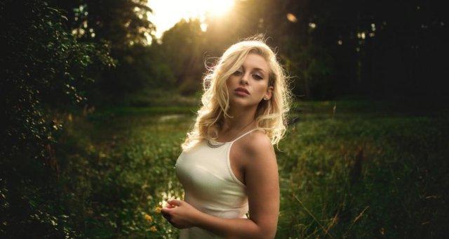 women-portrait-blonde-dress-sunlight-nature-1080P-wallpaper-middle-size