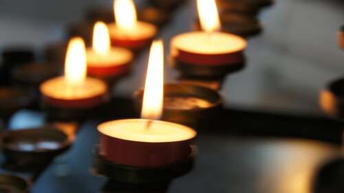 У відомого актора з Великобританії Ніколаса Ліндхерста при загадкових обставинах помер 19-річний син Арчі Ліндхерст (ФОТО)