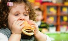 Четырехлетний ребенок весит в несколько раз больше нормы из-за редкой аномалии (ФОТО)