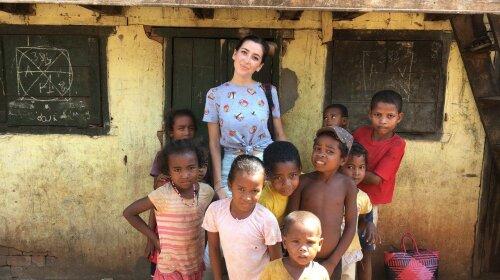 «Не пошел в школу, потому что не было ручки»: ведущую Нового канала растрогала история мадагаскарского мальчика