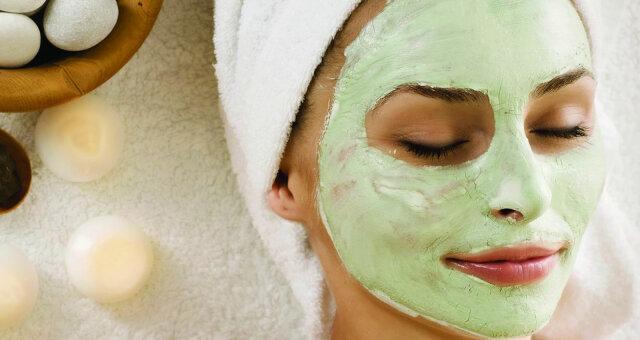 Используй глиняные маски для устранения расширенных пор