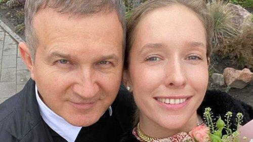 """Шоумен Юрий Горбунов показал дом, в котором живет с Катей Осадчей: """"все цветет"""""""
