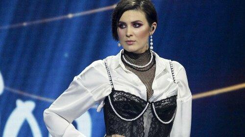 """""""MARUV не стрималася і стала готкою"""": кліп співачки викликав суперечки в Мережі"""