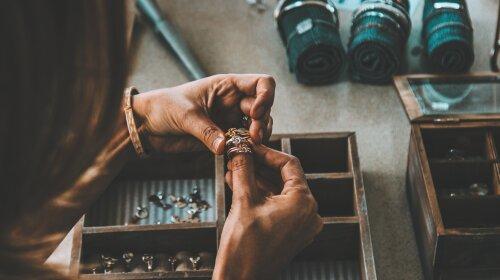 Больше, чем просто украшения: полезные советы, как выбрать ювелирное изделие для любимых и близких - «Дари с любовью»
