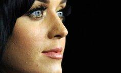 Не такі вже ідеальні: як виглядає шкіра знаменитостей поблизу (фото)