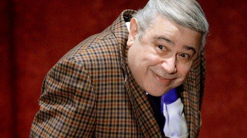 Разом з брюнеткою з губами на підлогу обличчя: Євген Петросян показав, на кого проміняв Брухунову, яка нещодавно народила (ФОТО)