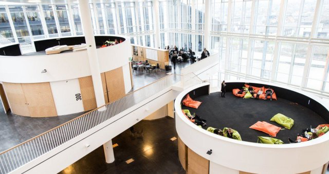 restad-gymnasium-copenhagen-denmark-the-school-in-a-cube-1