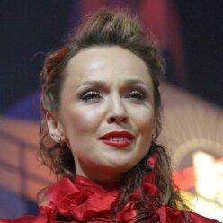 """После """"развода"""" с Меладзе Альбина Джанабаева засветила родинку в интимном месте: раньше видел только муж"""