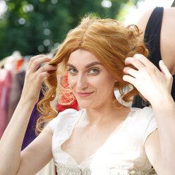 «Эта мода – жесть!»: участниц «Топ-модели по-украински» затянули в корсеты и отправили на бал