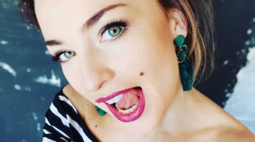 Звезда «Дизель шоу» Виктория Булитко озадачила поклонников новым имиджем: блондинка, шатенка, брюнетка или рыжая?