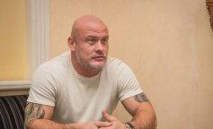 Вячеслав Узелков показал милое фото с дочерью Оливией: смешные кривляки