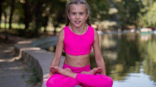 Девочка из Украины удивила всех невероятной гибкостью: мастер йоги