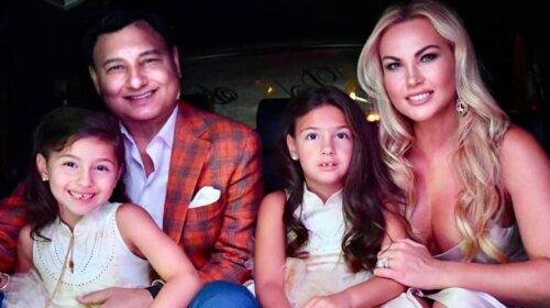 В роскошном платье на фоне яхты: Камалия показала фотографии из Турции, где отдыхает с любимым мужем Захуром и дочерьми