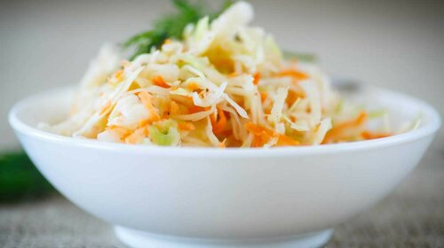 Как заквасить капусту: самый простой рецепт приготовления идеальной закуски