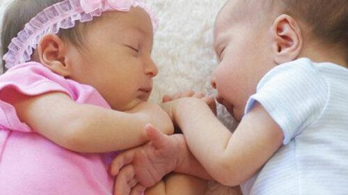 Бразильянка родила близнецов для сына нетрадиционной ориентации