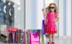Мама может! Девушка превращает старые рубашки мужа в модные наряды для дочек