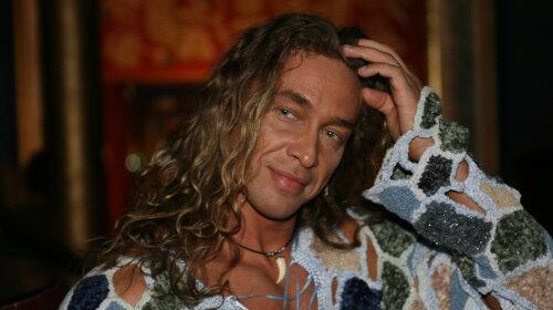 Изменил Наташе Королевой с длинноногой блондинкой: найдена еще одна любовница Тарзана
