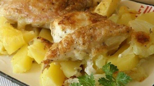 Швидке і дуже просте блюдо з картоплі і курки-справжній шедевр з самих звичайних продуктів