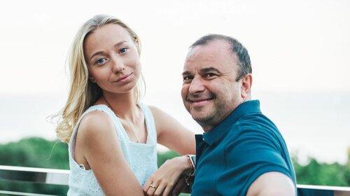 Теперь все стало на свои места: молодая жена Виктора Павлика показала, как выглядела до встречи с певцом (фото)