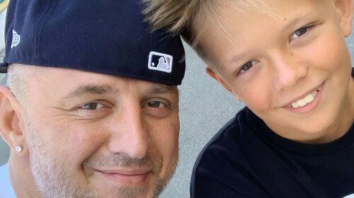 """В черном костюме и с оружием в руках: 11-летний сын Потапа удивил """"взрослым"""" образом"""