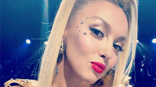 Оля Полякова змила всю косметику і показала своє справжнє обличчя: вбила наповал