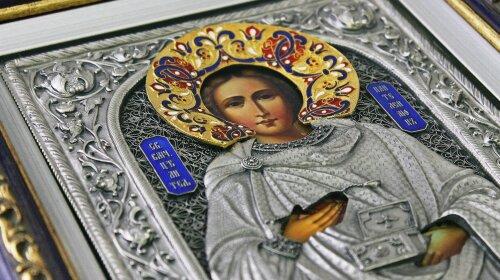 Про що просити цілителя Пантелеймона: ікони і молитви