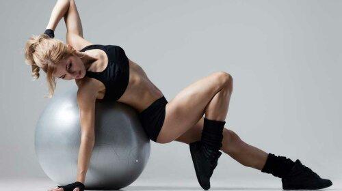 Три минуты в день: простые упражнения для худых ног, с которыми справится даже новичок