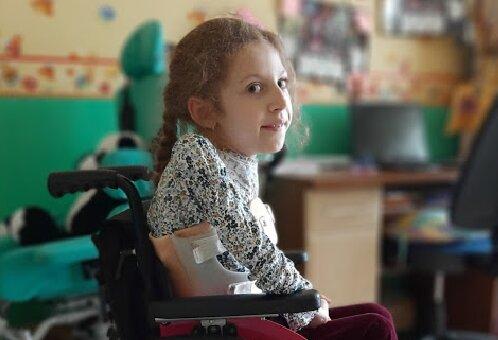 Полина Козенкова, благотворительность, больной ребенок, сбор средств