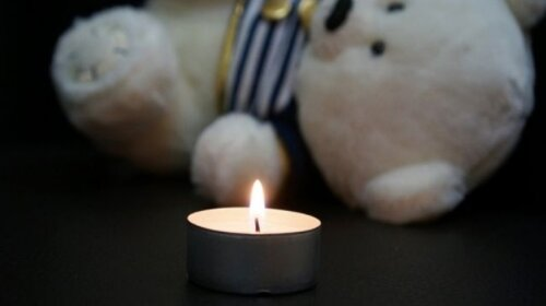 4-річна дитина померла в машині, поки батьки працювали в полі