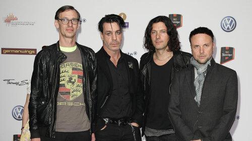 Rammstein, тілль ліндеманн, фото, поцілунок, москва