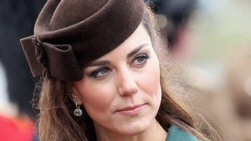 Намагалася втекти з палацу: Кейт Міддлтон таємно відвідала з дітьми музей військової техніки-Королева буде в люті
