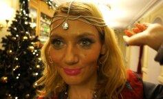 Черные глаза и море тонального крема: худший макияж звезд за всю историю