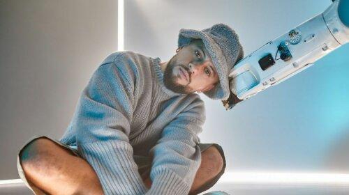"""Головний хіт нинішнього сезону: MONATIK з підопічними випустив кліп на сингл """"ритмоLOVE"""""""
