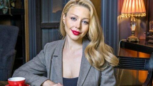 Бейонсе нервно курит в сторонке: Кароль ошеломила всех фигурой в платье от ливанского модельера