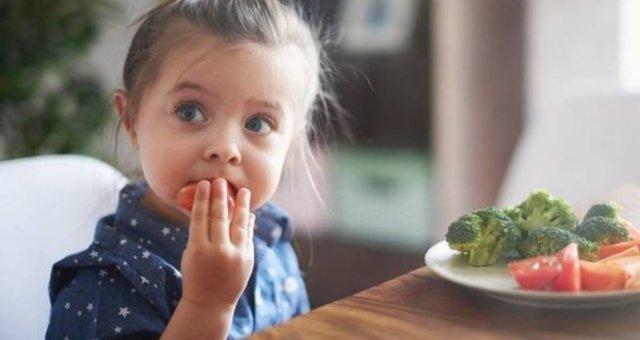 _приучить_ребенка_есть_овощи1_1 (1)