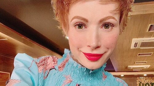 Рыжая кукла в изумрудном платье: Елена-Кристина Лебедь восхитила эффектным образом