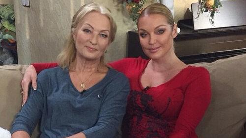 Тиха трагедія матері: стало відомо, що пережила мати Анастасії Волочкової на її шляху до успіху – всі подробиці