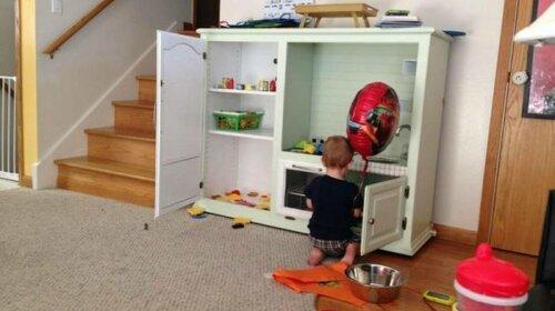 За что обвинили отца, построившего сыну игрушечную кухню