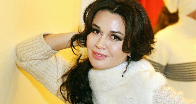 Анастасия Заворотнюк обратилась к поклонникам