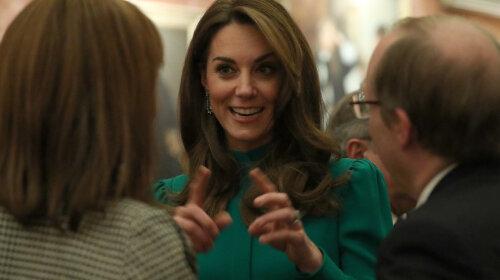 У скромному зеленому платті: чарівна Кейт Міддлтон на прийомі Єлизавети II