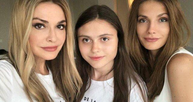 Ольга Сумська, її молодша дочка Ганна Борисюк і старша —Антоніна Паперна